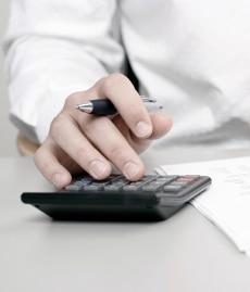 450-Euro-Job und Hartz 4: Ein Freibetrag von 100 Euro pro Monat wird gewährt.