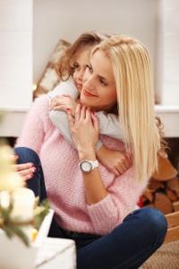 Den Alleinerziehendenzuschlag kann sowohl die Mutter als auch der Vater erhalten.