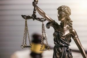 Beim zuständigen Amtsgericht kann der Beratungsschein direkt beantragt werden.