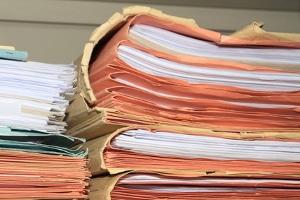 Wenn Sie sich arbeitslos melden, sollten Sie einige wichtige Unterlagen bereithalten.
