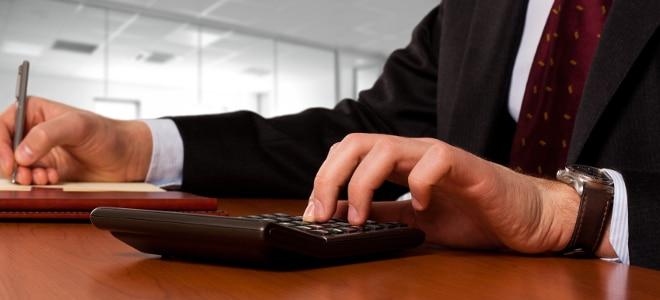 Nutzen Sie unseren kostenlosen Arbeitslosengeld-1-Rechner.