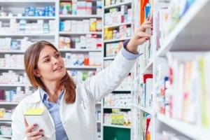 Bei Arbeitslosengeld 2: Trotz Krankenkasse kommt u. U. das Jobcenter für besondere Medikamente auf.