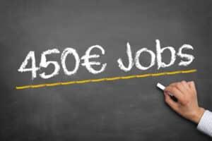 Die Aufstockung vom Lohn kann auch bei einem Minijob erfolgen.