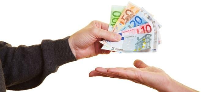Darlehen vom Jobcenter: Wie hoch der Betrag ausfällt, hängt vom Einzelfall ab.