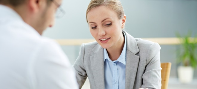 Beim Erstantrag auf Hartz 4 sollten Sie sich im Jobcenter beim Sachbearbeiter informieren.