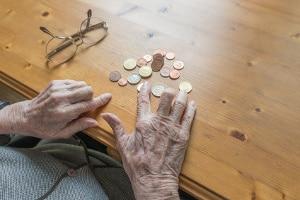 Weil die Beiträge von einem Geringverdiener zur Rentenversicherung niedrig sind, fällt diese entsprechend klein aus.