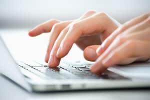 Einen Hartz-4-Antrag online zu stellen, ist nicht möglich.
