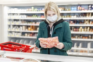 Bei Bezug von Hartz 4: Atemmasken oder das Hamstern von Lebensmitteln begründen keinen Mehrbedarf.