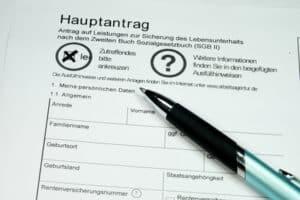 Beim Empfang von Hartz IV ist keine GEZ-Gebühr zu zahlen - aber nur wenn die Befreiung beantragt wurde.