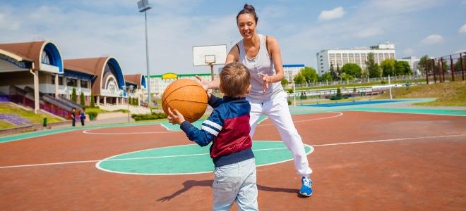 Hartz 4 in Elternzeit: Wenn Sie alleinerziehend sind, muss die Betreuungsfrage geklärt sein.