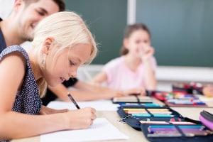 Neben den Hartz-4-Leistungen sorgt das Bildungspaket für Chancengleichheit unter den Schülern.