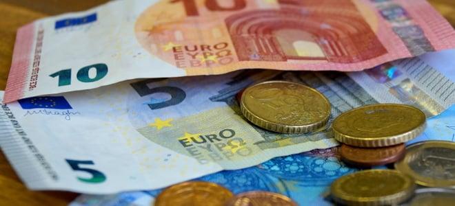Was ist in Bezug auf Hartz IV und den Mindestlohn zu beachten?