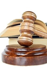 Sie können beim Amtsgericht beantragen, bei Hartz-4-Bezug Rechtsberatung kostenlos zu erhalten.