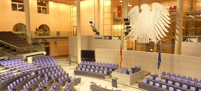 Über Hartz-4-Reformen entscheidet zunächst der Bundestag und dann der Bundesrat.