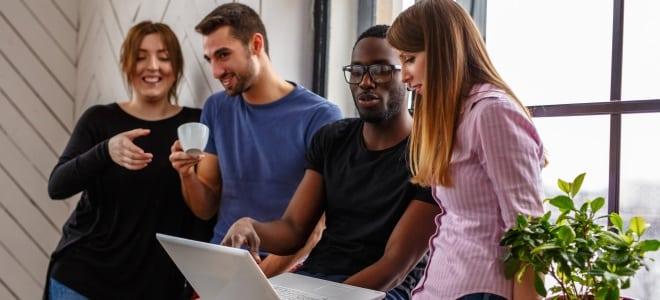 eine Jobbörse ist für Berufseinsteiger eine Möglichkeit, sich zu orientieren.