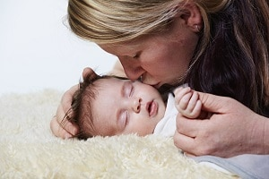 Mutterschaftsgeld bei Hartz 4: Der Freibetrag beträgt 30 oder 100 Euro.