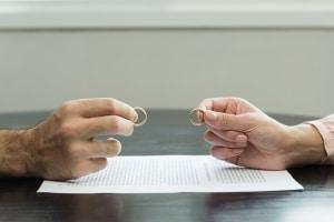Bei einer Scheidung wird keine Prozesskostenhilfe, sondern die Verfahrenskostenhilfe gewährt.