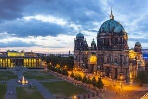 Der Senat plant , ein solidarisches Grundeinkommen für Berlin zu testen.