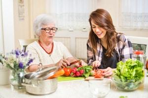 Solidarisches Grundeinkommen: Besuchsdienste in Seniorenheimen sollen zu den möglichen Jobs gehören.