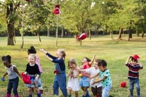 Kein Umzug: Kinder von Hartz-4-Empfängern dürfen oft im gewohnten sozialen Umfeld bleiben.