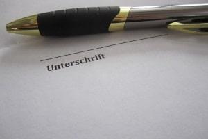 Eine Unterschrift ist beim Widerspruch per Fax zwar eindringlich empfohlen, aber nicht immer notwendig.