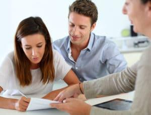 Was ist eine Bedarfsgemeinschaft? Dazu gehören nicht nur Sie, sondern auch Ihr Partner und Ihre Kinder.