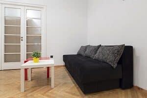 Wohnung für Hartz-4-Empfänger: Bei Mietschulden kann das Jobcenter ein Darlehen erbringen.